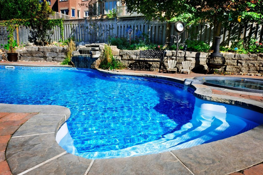 Hamilton 39 s newly enacted swimming pool fence regulations - Swimming pools in hamilton ontario ...